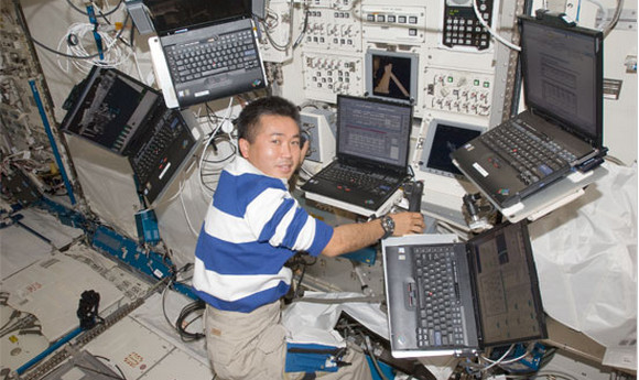 space-station-10-years-thinkpad-1