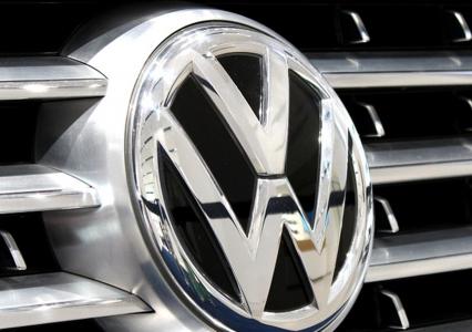 Volkswagen robi obudowy na smartfony z rozbitych aut