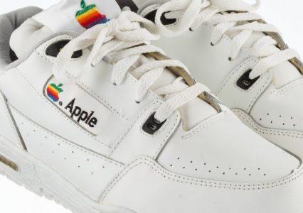 Wiedziałeś o ich istnieniu? Trampki marki… Apple do kupienia za fortunę