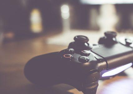 A czy Ty jesteś w stanie napisać maksymalnie 13 kilobajtową grę?