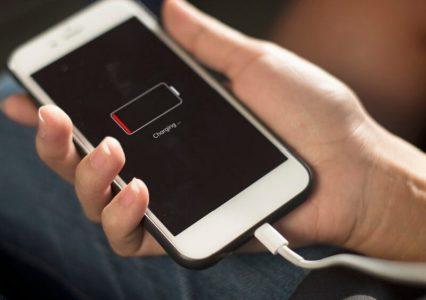 Wymiana baterii w iPhonach – taniej, ale pod pewnymi warunkami
