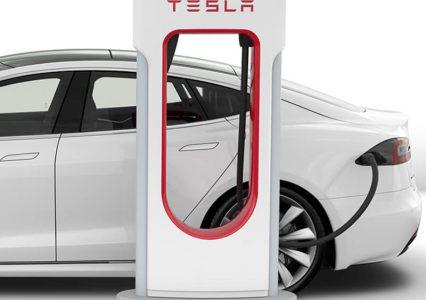 Elon Musk obiecuje ładowarki Supercharger w całej Europie w 2019 roku