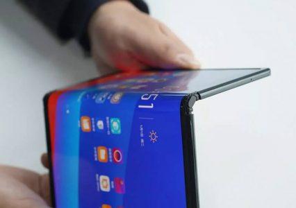 Składane smartfony – przyszłość mobile, czy jednak tylko chwilowa moda?