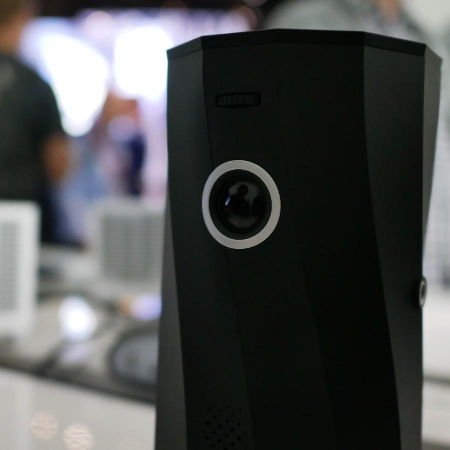 Tryb autoportret w projektorze? Poznajcie przenośny Acer C250i | IFA 2019