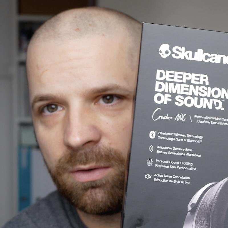 [VIDEO] Recenzja Skullcandy Crusher ANC, słuchawek, które pozwalają 'odczuć' muzykę