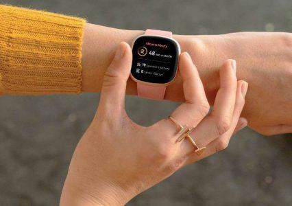 Przerażająca wizja przyszłości: już wkrótce Fitbit będzie nasłuchiwał, czy chrapiesz