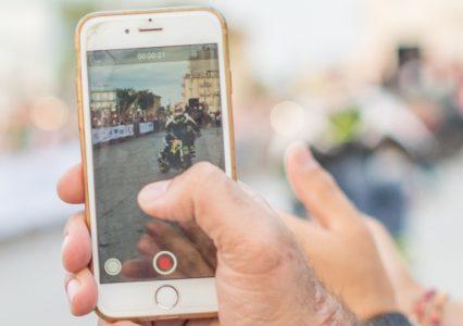 Nagrywanie ekranu? Wyjaśniamy jak nagrać ekran PC, iPhone i Android