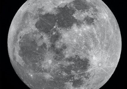 W NASA skończył się lód do drinków, będą go wykopywać na Księżycu