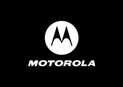 Motorola świątecznie – głośnik lub słuchawki do każdego telefonu