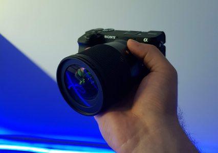 Lepszy obraz na wideorozmowach. Jak podłączyć telefon lub aparat jako kamerkę internetową do rozmów?!