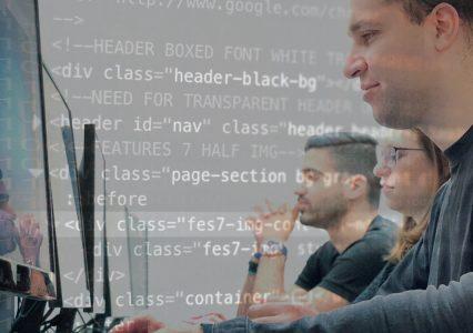 Kurs cyberbezpieczeństwa od HackerU. Czy można zostać etycznym hakerem w 7 miesięcy?