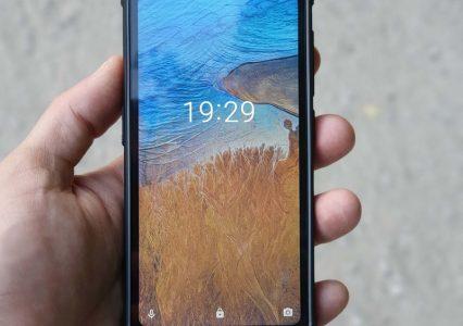 Maxcom MS572 to wytrzymały telefon do pracy lub sportu, który nie zrujnuje Ci portfela