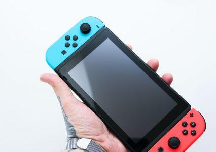 Masz Nintendo Switch? Zapewne wydajesz 400 zł, masz 28 gier i grasz przez 5 godzin tygodniowo