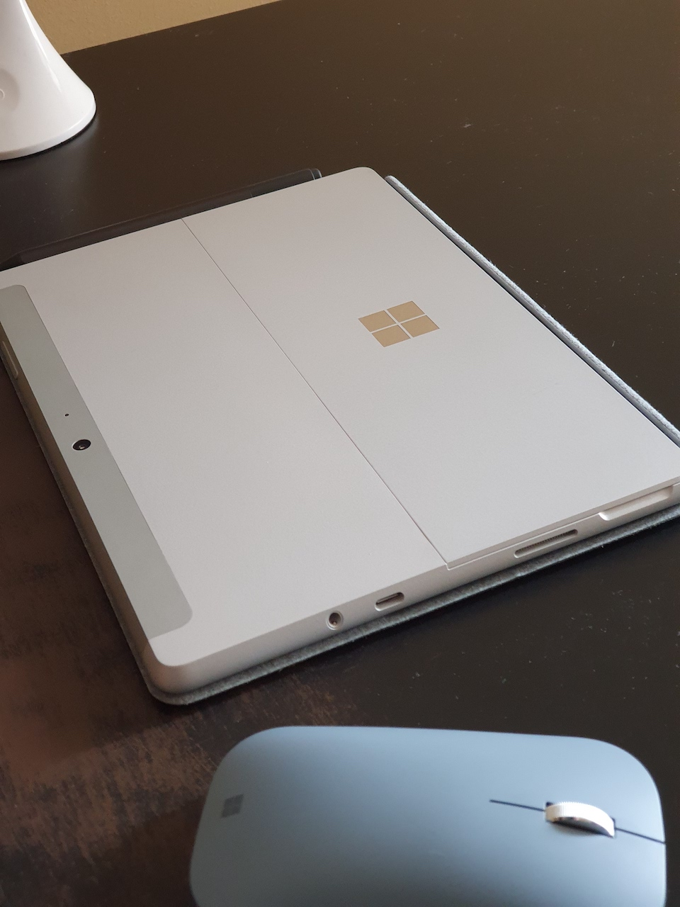 Surface Go 2 back