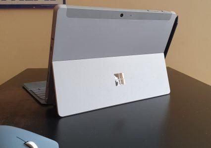 Microsoft Surface Go 2 to mały laptop, który chce być jak iPad