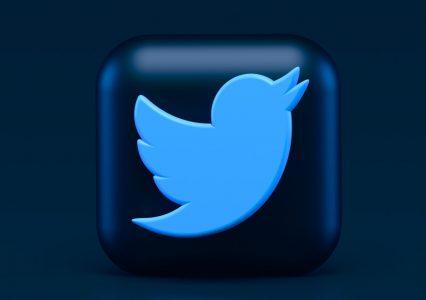 Łapka w dół? Twitter testuje ocenianie tweetów za pomocą strzałek