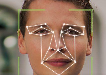 Deepfake – rewolucyjna technologia, którą pokochali hakerzy. Jak się ustrzec przed zagrożeniami?