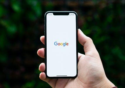 Rewolucja! Nagłówki w Google będą teraz automatycznie generowane przez algorytmy