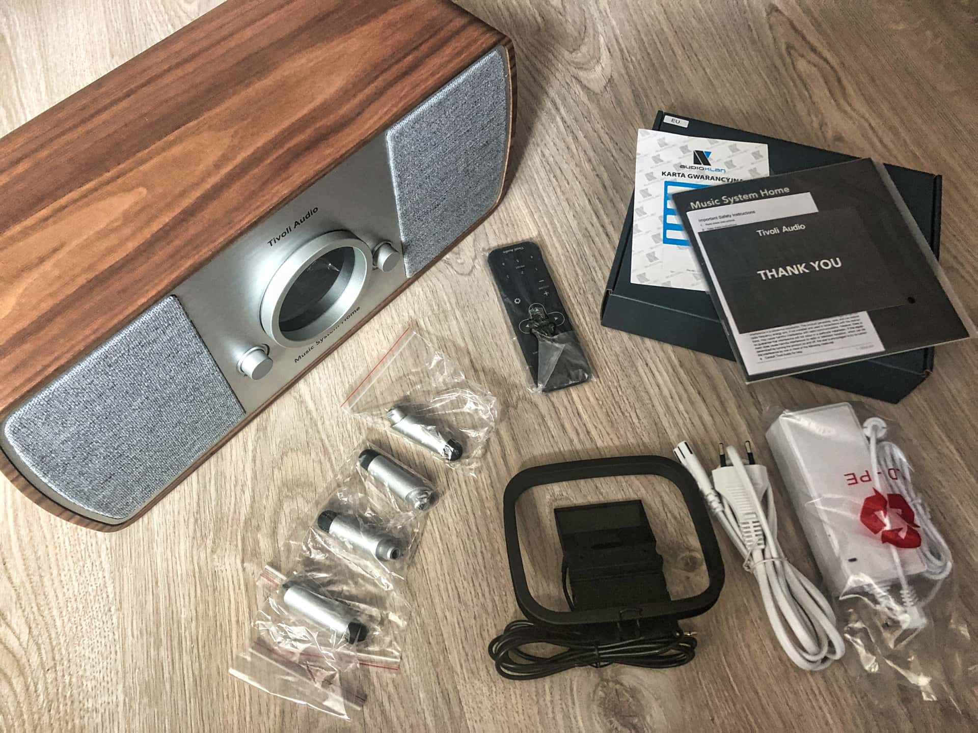 Tivoli Audio Music System Home zawartość opakowania