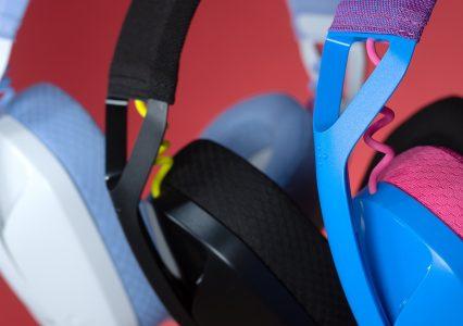 Logitech G435 to lekkie, kolorowe i przystępne cenowo słuchawki do grania z mikrofonem